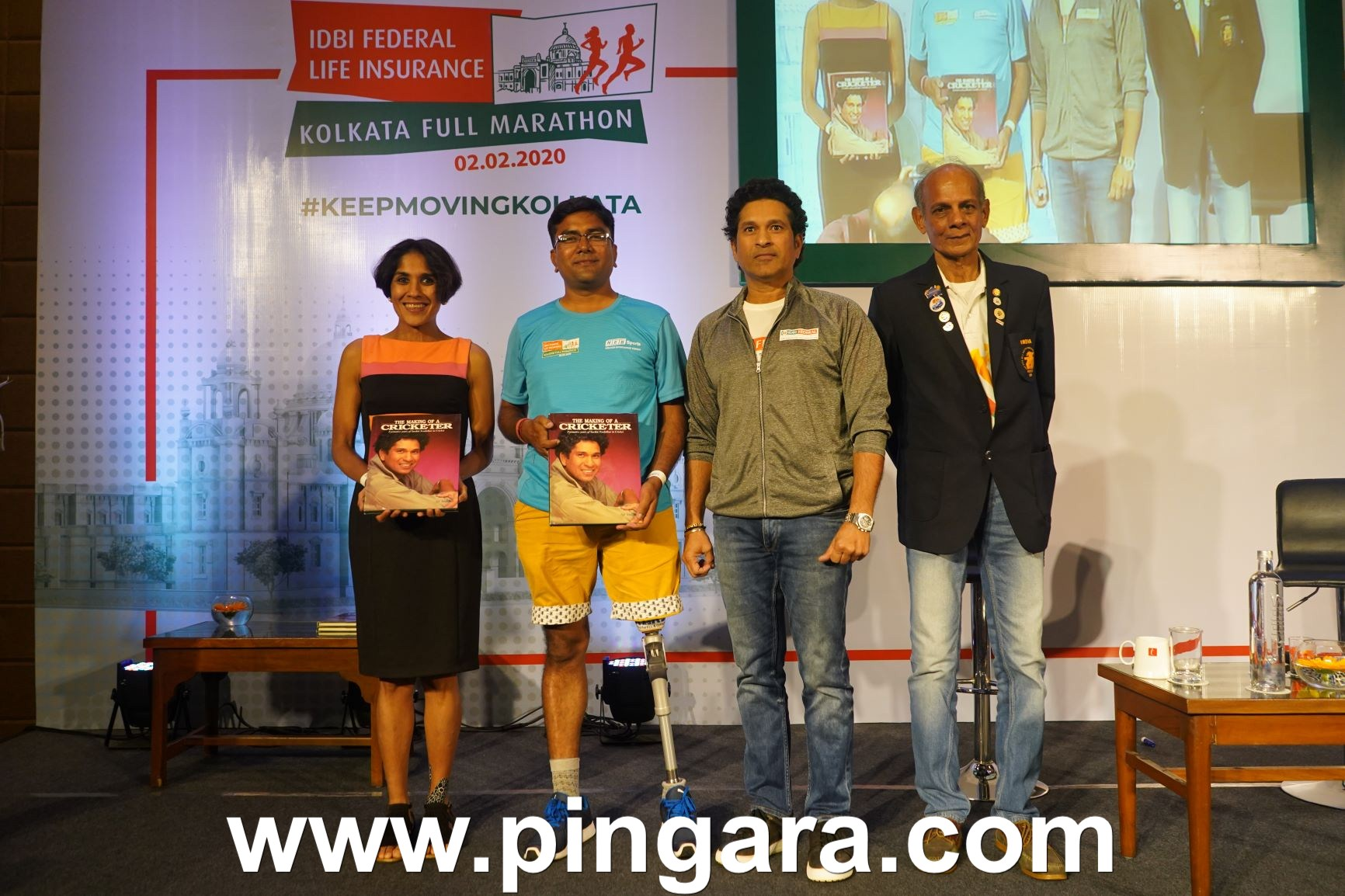 (L-R) Anjali Saraogi winner of IDBI Federal Life Insurance Kolkata Full Marathon 2018 & 2019, Uday Kumar, an amputee who is a seasoned marathoner & Arun Singh, a 70-years-old runner along wit
