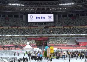 Tokyo-Paralympics-simple-closing.jpg